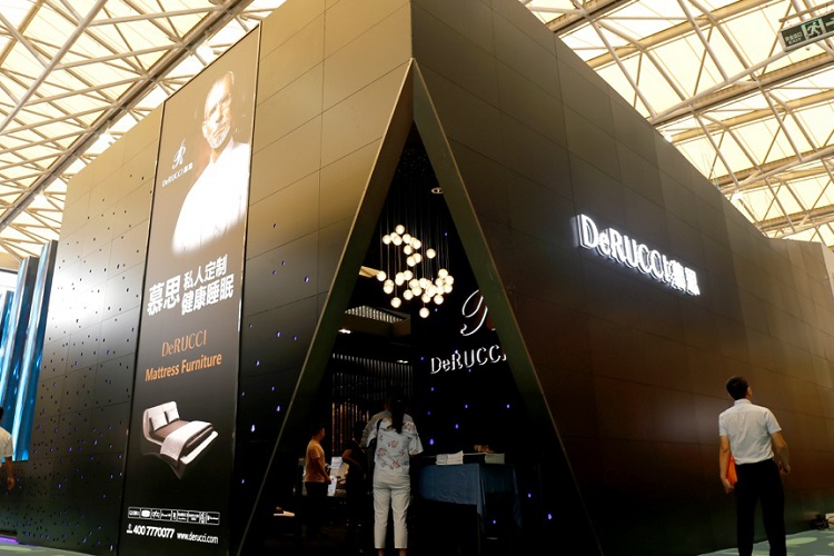 慕思携多款高科技新品惊艳亮相国际家具展