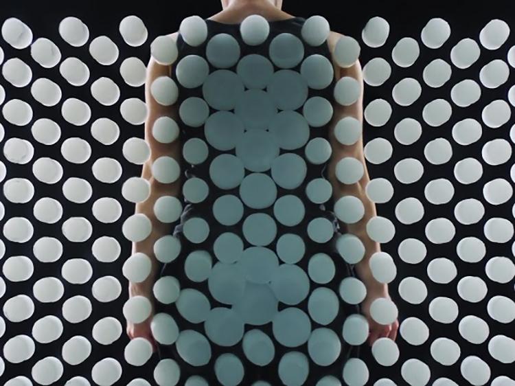 慕思颠覆性产品—太空树脂球床垫震撼发布