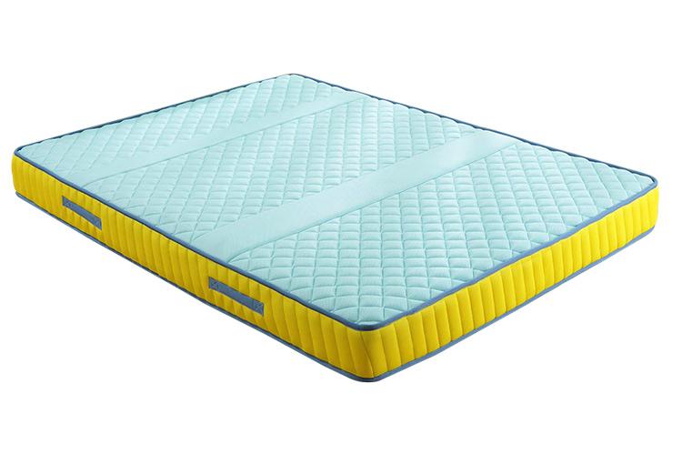 如何选择一张合格的婴儿床垫?